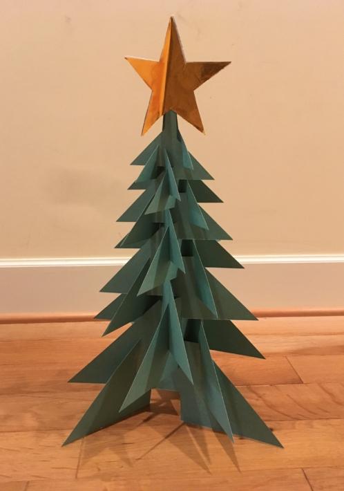 クラフトペーパーで作ったクリスマスツリー