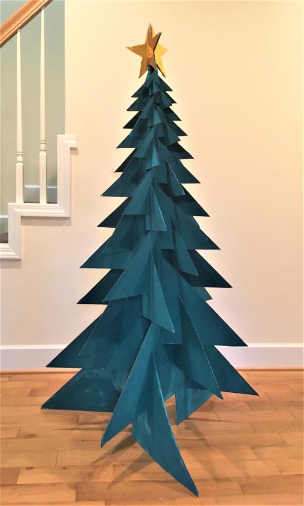ダンボールクリスマスツリー